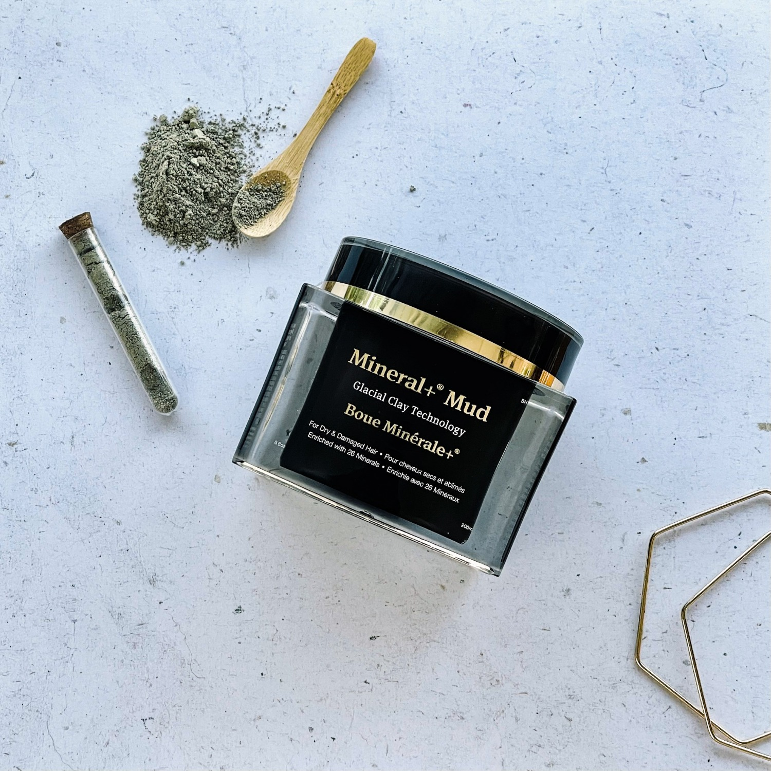 Pure minerals from Glacial Oceanic Clay for hair & skin